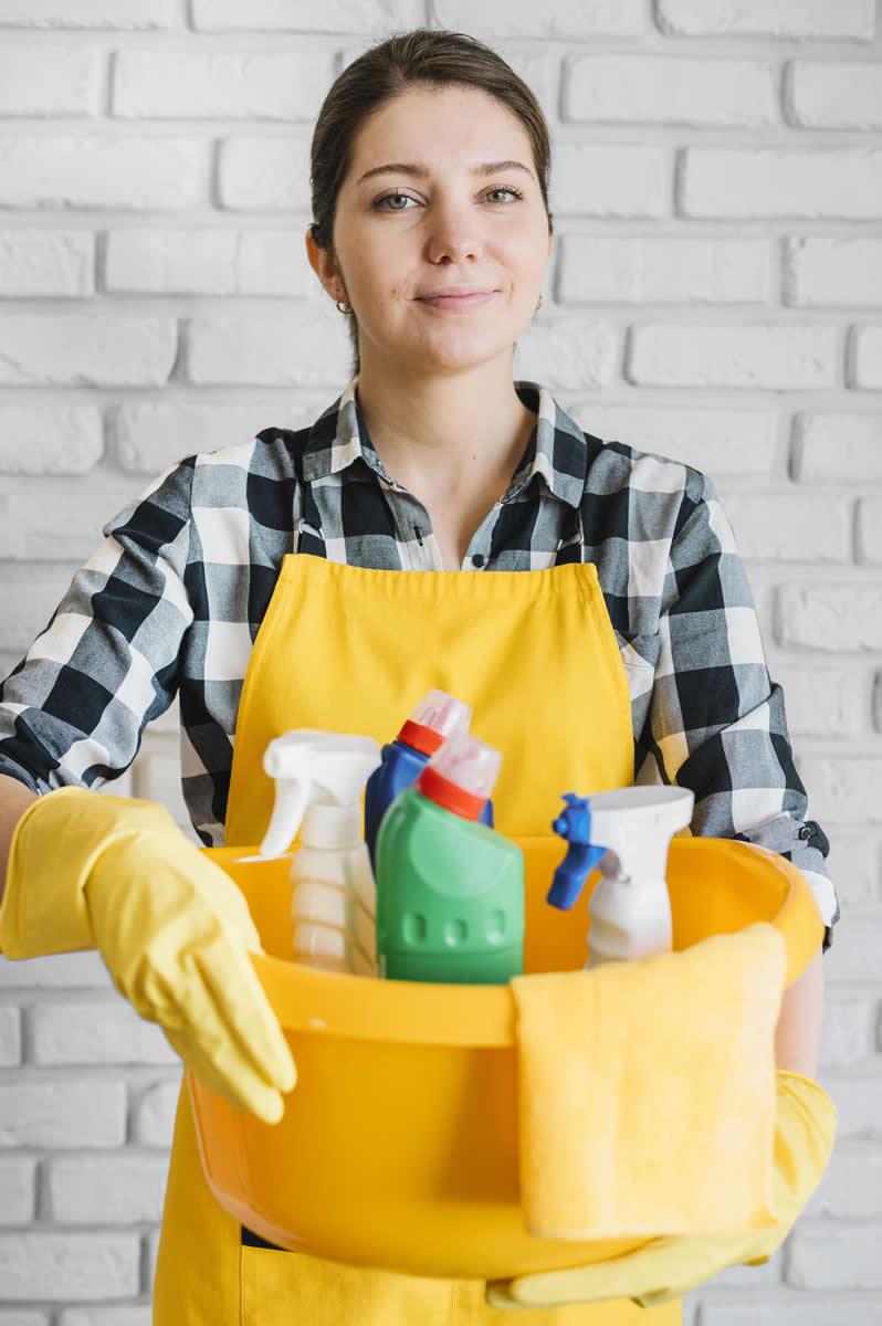 Capacitación para personal de limpieza y mantenimiento de comunidades en Tenerife